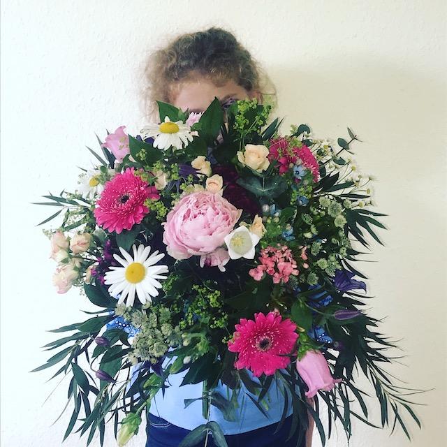 Blumen schenken. Hoffnung spenden.